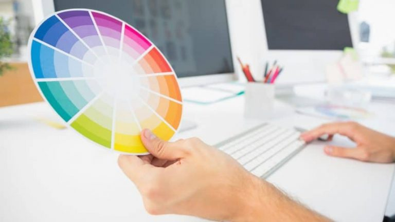 How to Use a Color Wheel to Decide on Interior Paint Colors